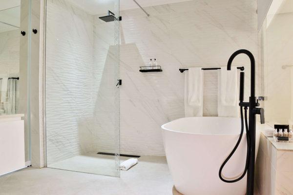 cape-milner-hotel-accommodation-bathroom-3-1024x768
