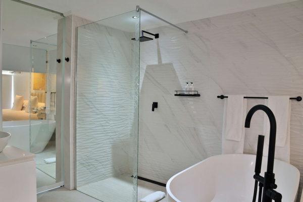 cape-milner-hotel-accommodation-bathroom-4-1024x768